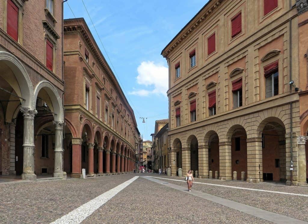 portici centro bologna